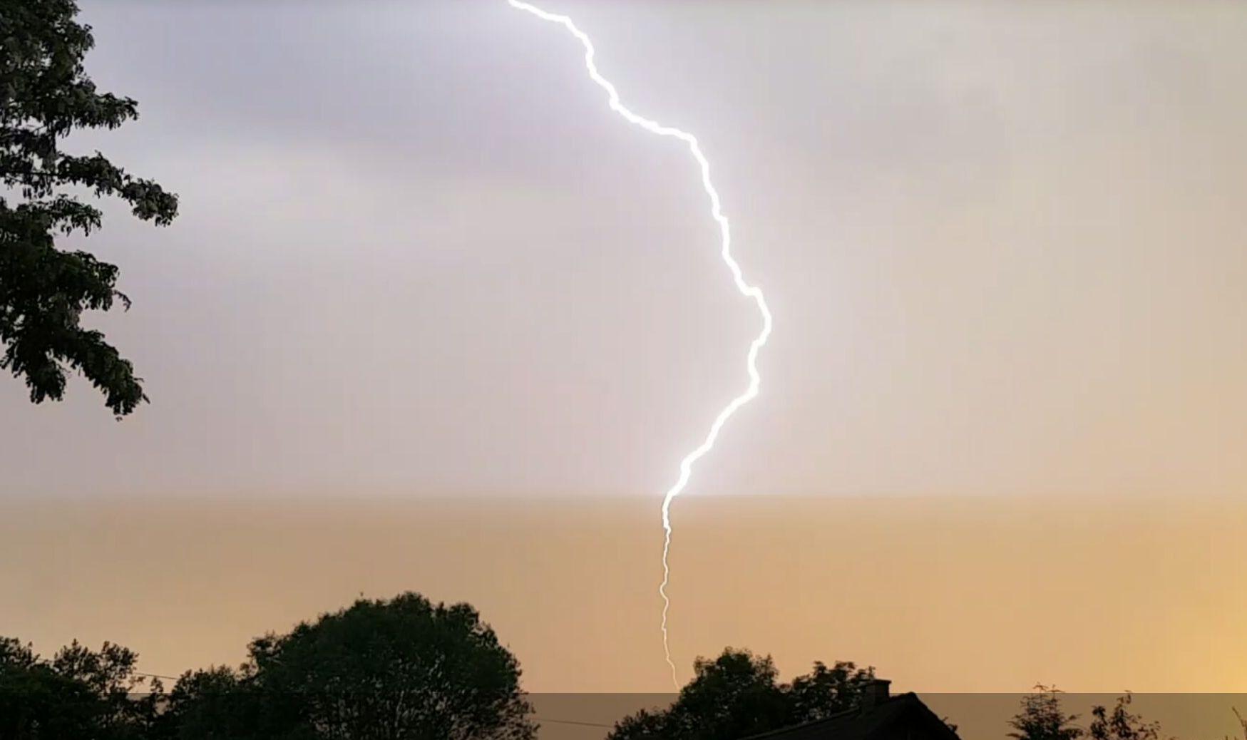 Niebezpieczna pogoda. Ostrzeżenie przed silnymi burzami