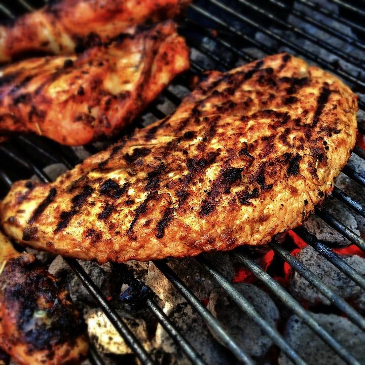 W piątek bez problemu można jeść mięso. Zgodę na to wydał biskup