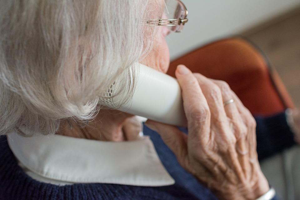 W Bielsku-Białej znowu grasują oszuści. 90-latka straciła mnóstwo pieniędzy