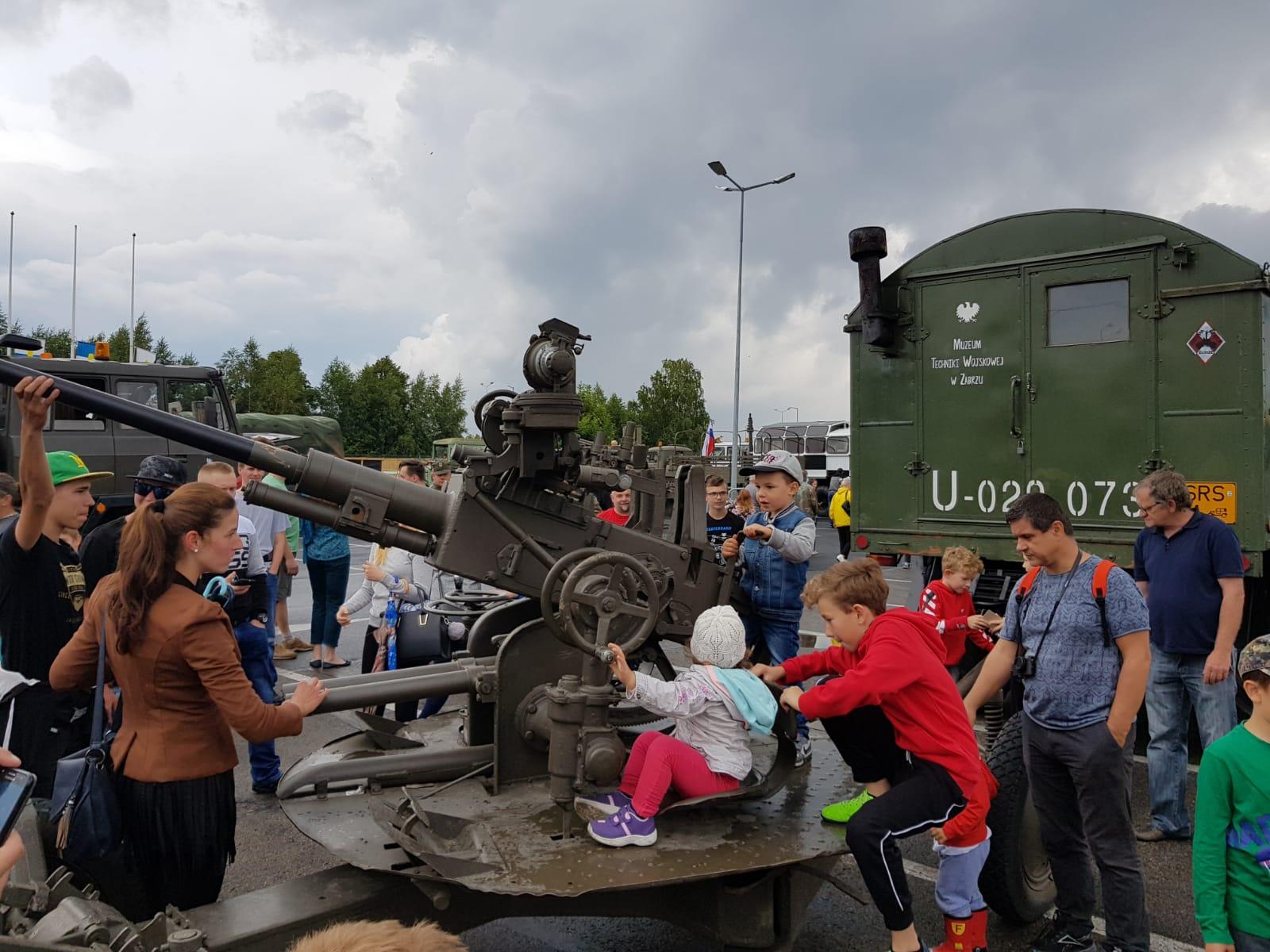 Pojazdy militarne na bielskich ulicach [FOTO]