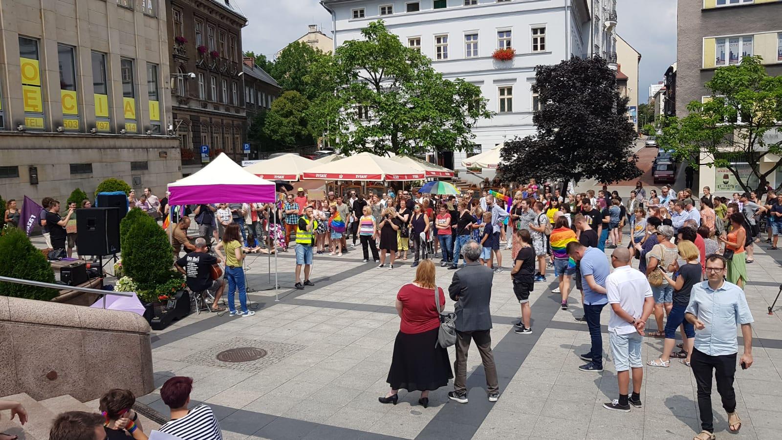 Bielsko-Biała: pikieta przeciwko przemocy [FOTO]