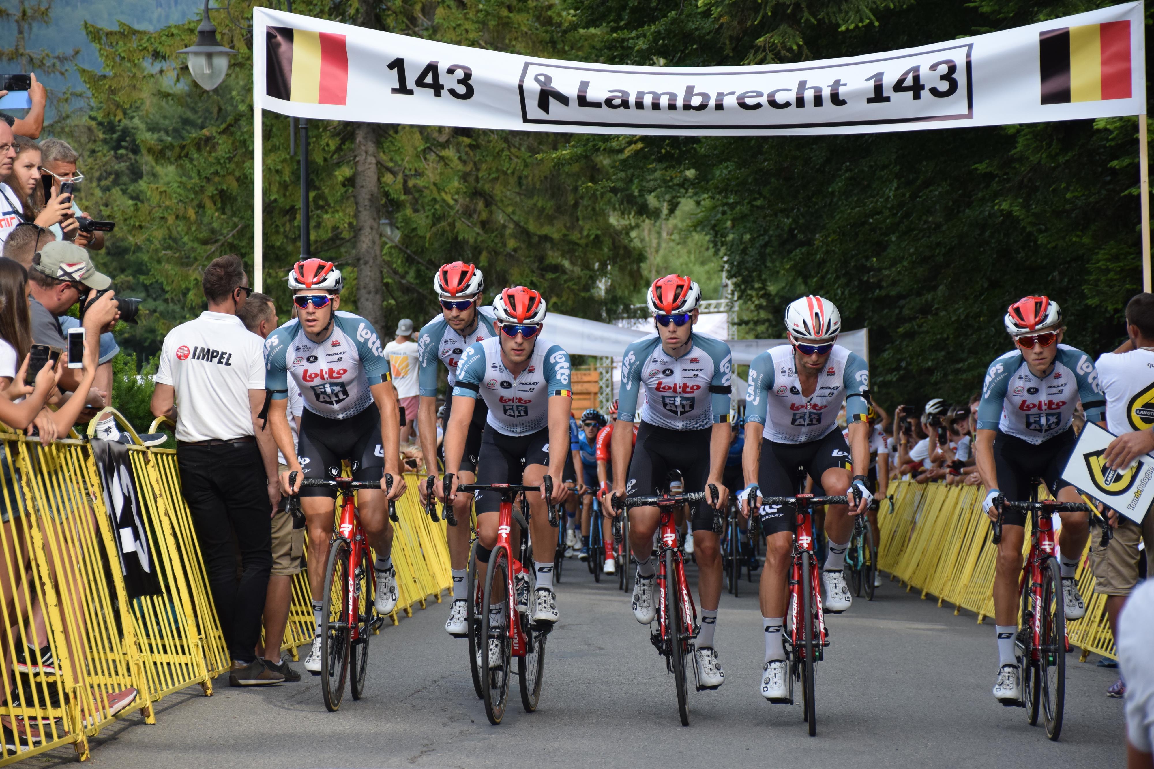 Tak wyglądała meta 4.etapu 76.Tour de Pologne. Pożegnanie tragicznie zmarłego kolarza [FOTO]